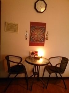 サロンPADOMAの様子 椅子とテーブル